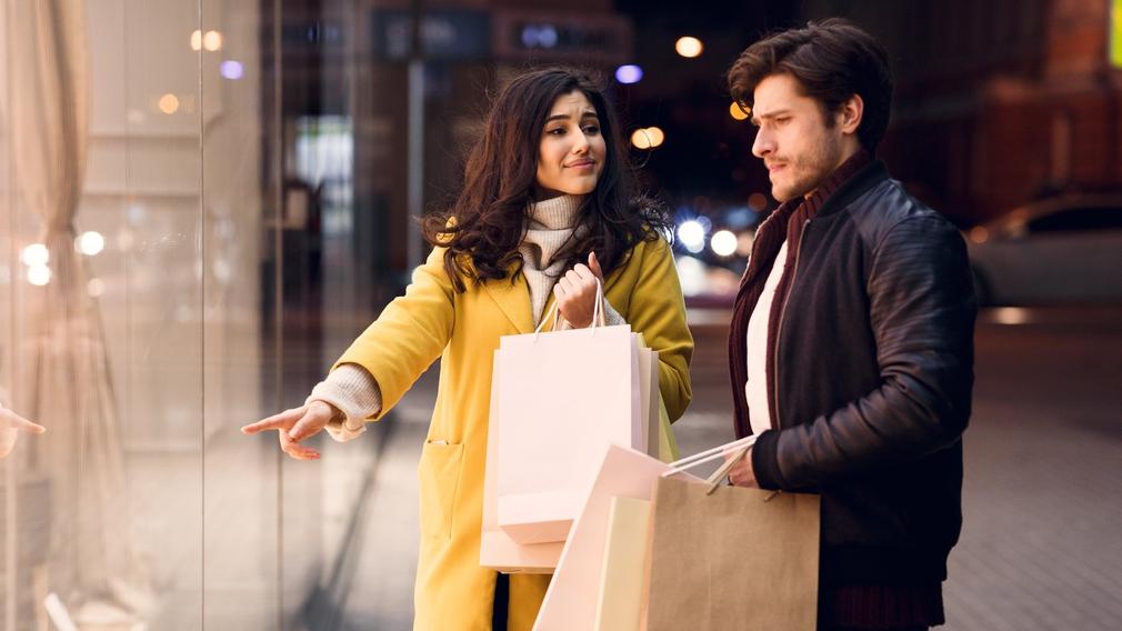 Couple shopping on Black Friday