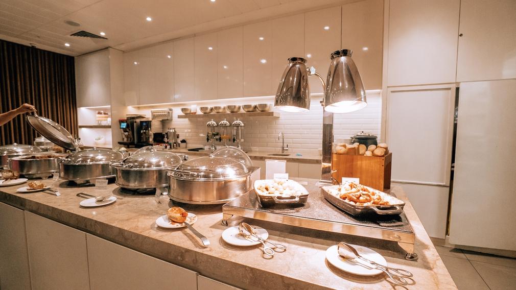 Plaza Premium Lounge kitchen