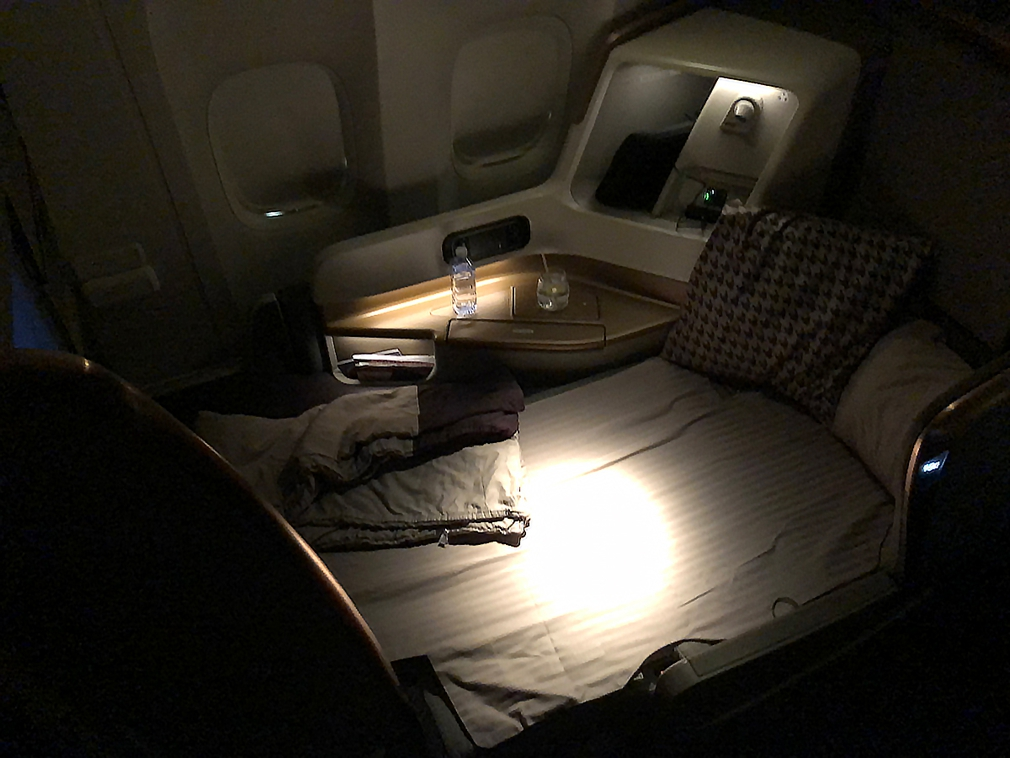 The fully reclined lie flat bed in the new Singapore Airlines business class
