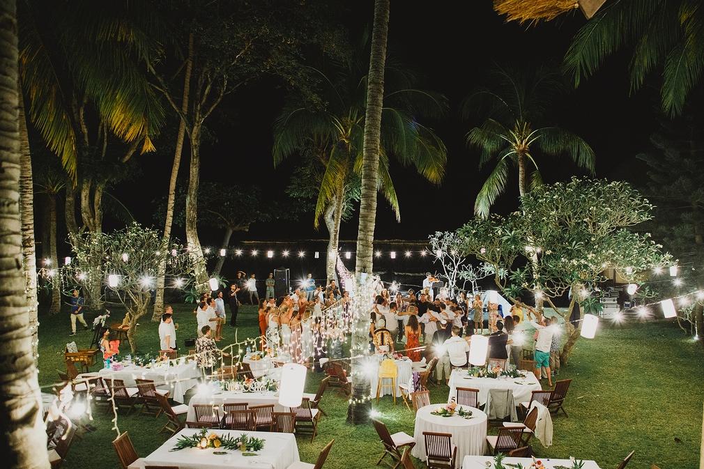 A beautiful evening wedding reception in Bali