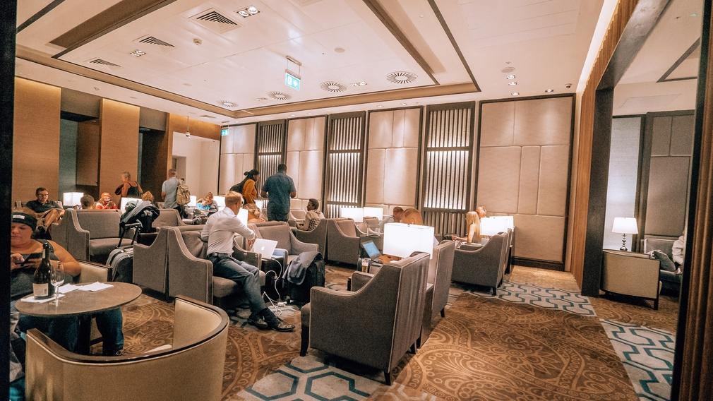 Plaza Premium Lounge busy
