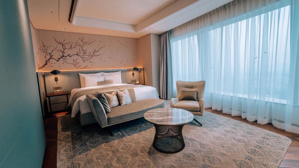 Signiel Seoul Deluxe Suite Room