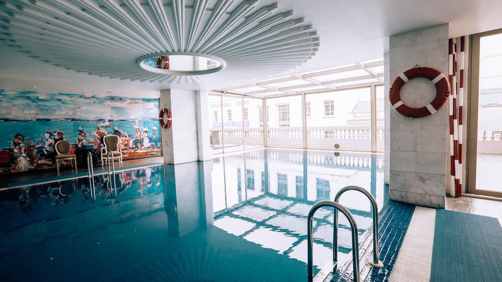 The pool at Hotel de l'Opera in Hanoi
