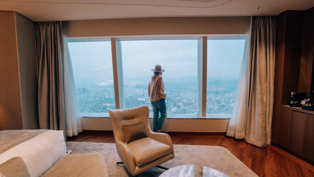 Signiel Seoul room amazing view