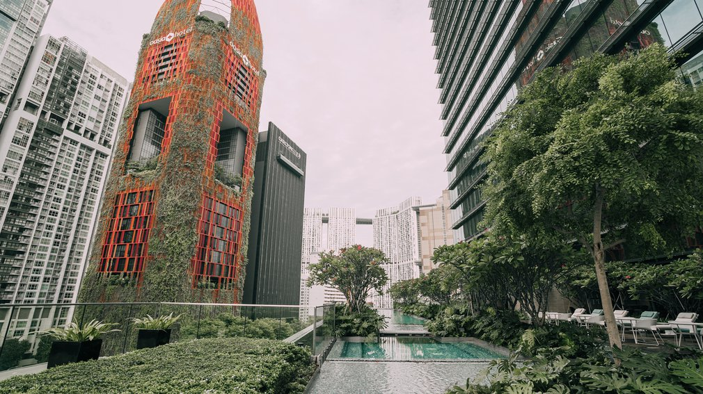 Sofitel Singapore City Centre Pool