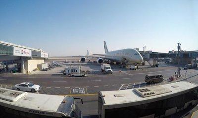 13 hours of Business Class on Etihad's A380 Abu Dhabi - Sydney